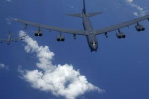 Dồn dập đưa B-52 đến Biển Đông, Mỹ 'rắn' với Trung Quốc?