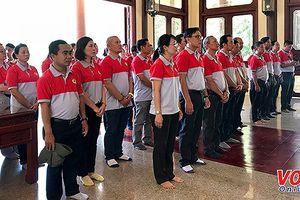 Công nhân lao động tiêu biểu TPHCM thăm quê hương Bác Tôn