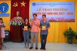 Bảo hiểm xã hội TP Đà Nẵng khen thưởng con em CB, CCVC có thành tích học tập xuất sắc