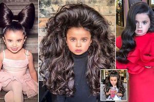 Mê mẩn mái tóc bồng bềnh của bé gái 5 tuổi, mọi cô gái đều mơ ước