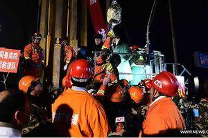 Chiến dịch giải cứu nghẹt thở trong lịch sử: 4 công nhân hơn 1 tháng sống dưới 'địa ngục'