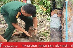 Đào trúng quả bom dài hơn nửa mét lúc dọn vườn nhà