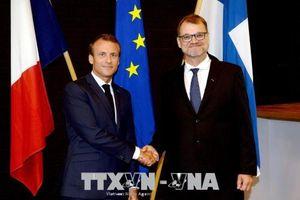 Tổng thống Pháp đề xuất EU thực hiện phòng vệ tập thể