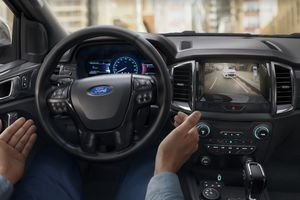 Soi chi tiết Ford Everest 2018 vừa ra mắt