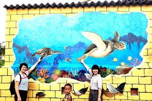 Khám phá 'Thế giới rùa biển' qua tranh bích họa 3D trên đảo Bé (Lý Sơn)