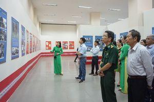 Triển lãm chuyên đề 'Sáng mãi tình Lào-Việt' và 'Hai chị em – Hai trận tuyến'