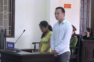Hai đối tượng làm bằng giả cho cán bộ xã bị lãnh án tù 
