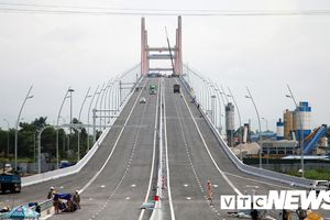 Cầu Bạch Đằng và cao tốc Hạ Long - Hải Phòng 'thay áo' trước ngày thông xe