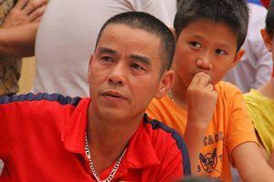 Bố Duy Mạnh: 'Tôi sẽ mổ gà và chọn dưa hấu ngon nhất cho con trai'