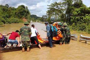 Người dân miền núi Nghệ An lại tất tả chạy lũ