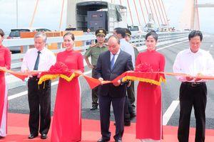 Cao tốc Hạ Long - Hải Phòng minh chứng cho khả năng tự lực của người Việt Nam