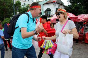 Cung bậc cảm xúc cổ vũ Olympic Việt Nam của người nước ngoài