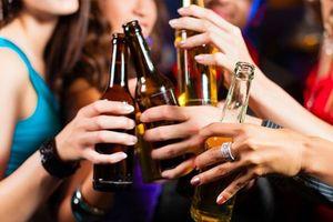 Trẻ hóa 'lực lượng' uống rượu bia, người chết vì rượu cũng trẻ hóa!