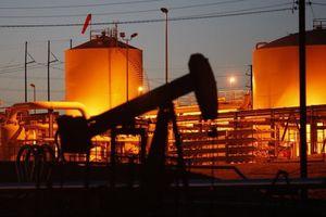 Giá dầu thế giới ngày 1/9: Dao động quanh mức 70 USD/thùng