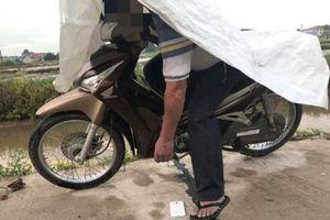 Bắc Giang: Nam thanh niên chết gục trên xe máy