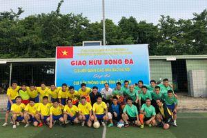 Giao hữu bóng đá giữa CLB liên quân các Nhà báo Hà Nội và khối VP UBND tỉnh Bắc Ninh