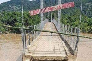 Nghệ An: Cầu Chôm Lôm bị lũ cuốn trôi một phần, nước lũ ở Tương Dương đã rút