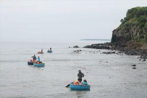 8 học sinh Quảng Ngãi rủ nhau đi tắm biển, 2 em chết đuối thương tâm