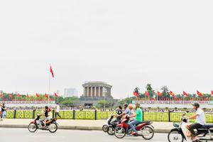 Không khí Tết Độc lập trên phố phường Hà Nội