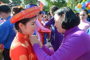 100 đôi công nhân tổ chức đám cưới trong ngày Quốc khánh