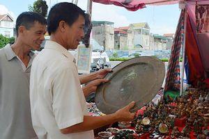 Độc, lạ chợ cảnh Uông Bí