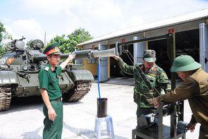 Ngạc nhiên thiết bị thông nòng pháo xe tăng tự động của Việt Nam