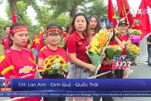Háo hức chờ đón đoàn thể thao Việt Nam tại sân bay Nội Bài