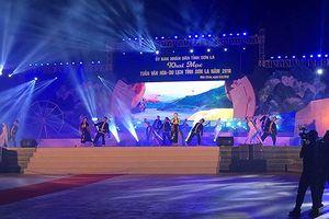 Đêm hội 'Sơn La ngày mới' trên cao nguyên Mộc Châu