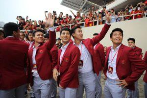Báo Hàn 'choáng' với cách người hâm mộ chào đón Olympic Việt Nam