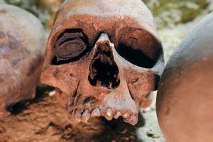 Phát hiện Kim tự tháp cao 70 m, 4.500 tuổi, có nhiều sọ người
