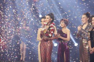 'Cô gái triệu view' đội Noo Phước Thịnh đăng quang 'Giọng hát Việt 2018'
