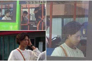 Park Bo Gum gây sốc với kiểu tóc lạ trên phim trường cùng Song Hye Kyo