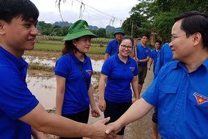 Thanh niên tình nguyện Thanh Hóa tích cực khắc phục hậu quả lũ lụt