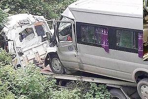 Xe cứu hộ lao xuống vực, 2 người tử vong