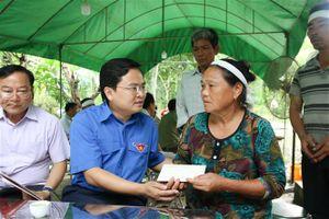 Thăm hỏi 5 gia đình có người thân thiệt mạng do mưa lũ tại Thanh Hóa