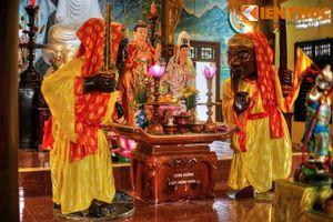 Huyền bí Ông Đỏ, Ông Đen 700 tuổi trong chùa cổ Bình Định