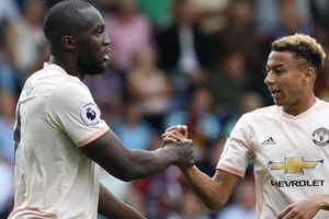 Lukaku lập cú đúp, Man Utd chiến thắng trước Burnley