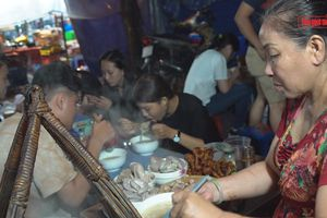 Sài Gòn - Những bước đường mưu sinhKỳ 4: Gánh cháo khuya