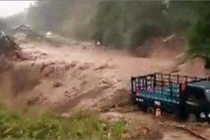 Nhiều tuyến đường ở Lai Châu sạt lở, bị ngập úng