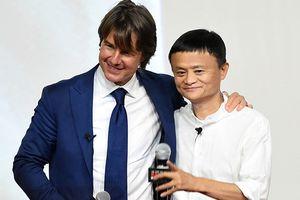 Cái bắt tay thành công giữa tỉ phú Jack Ma và tài tử Tom Cruise