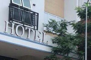 TP HCM: Một người rơi từ tầng cao của khách sạn xuống đường