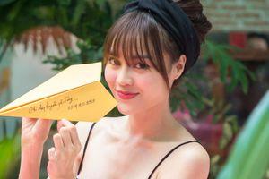 Ninh Dương Lan Ngọc diện bikini nóng bỏng, lấn sân ca hát