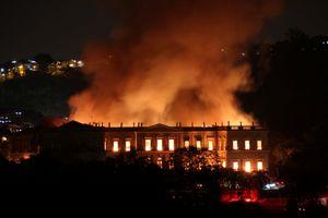 Căng thẳng tại Brazil sau vụ cháy bảo tàng quốc gia