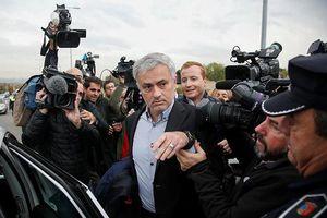HLV Mourinho lãnh án 1 năm tù vì trốn thuế