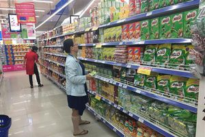 Tiêu thụ hàng tiêu dùng nhanh gặp khó ở những thành phố lớn