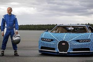 Siêu xe đồ chơi Bugatti Chiron được làm từ LEGO có thể ngồi lái