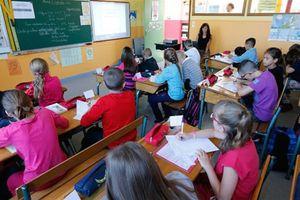 Sợ trẻ em của mình nghiện smartphone, Pháp dùng biện pháp mạnh