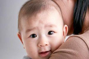 Trẻ sơ sinh hay bị trớ sữa: Nguyên nhân và cách khắc phục ngay tại nhà
