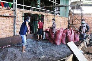 Vụ phế phẩm cà phê trộn pin ở Đắk Nông: Các đối tượng đối mặt án tù