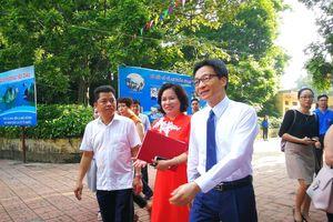Dự khai giảng, Phó Thủ tướng kiểm tra nhà vệ sinh trường học